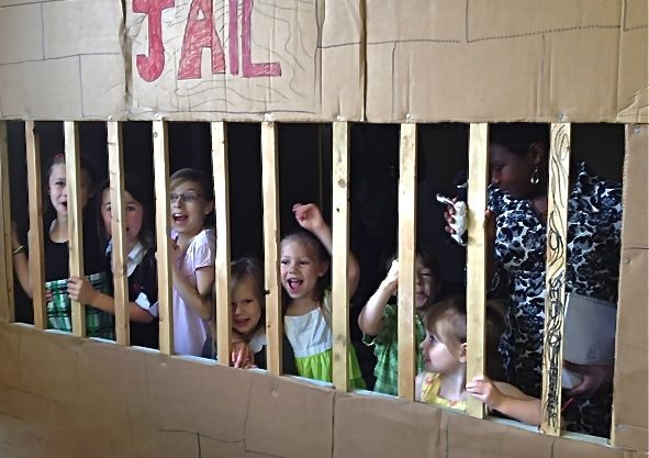 "Kids in the ""Jail"""